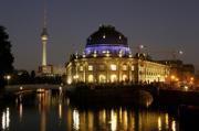 AFP  El Bode Museum de Berlín, rodeado por el río Spree