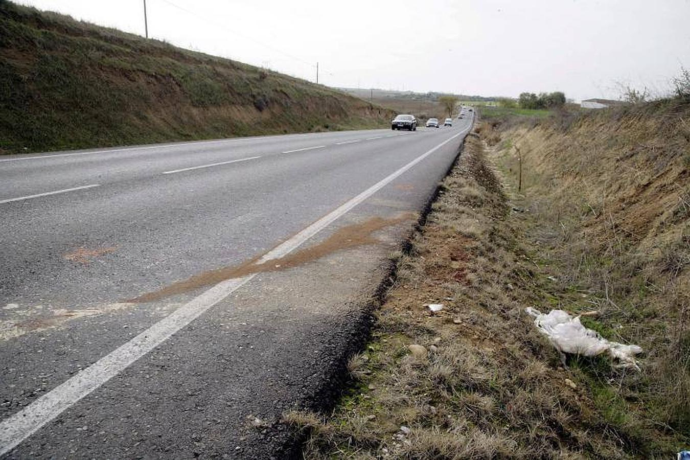El accidente se ha producido en la carretera que une las localidades de Torrijos y Fuensalida, en el kilómetro 3,200 de la carretera TO-3927