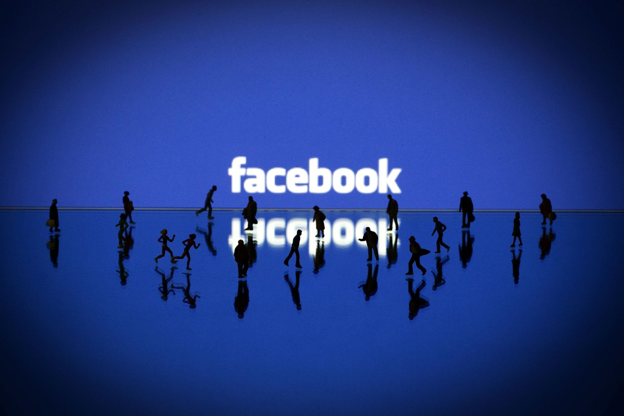 Facebook ve «imposible» aspirar a borrar todo el rastro personal de internet