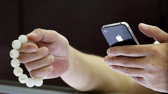 El responsable de Apple se reúne en China con las telefónicas tras varias denuncias laborales