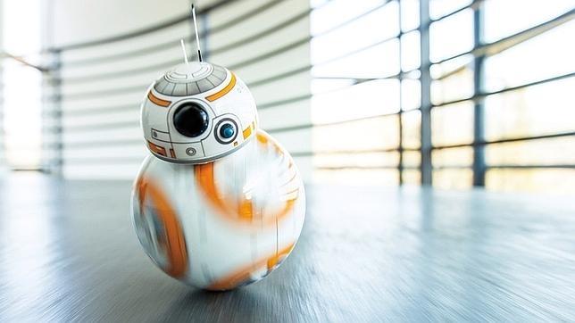 ¿Un juguete? ¿Un avión? ¿Un androide? Sphero BB-8 despierta a la Fuerza