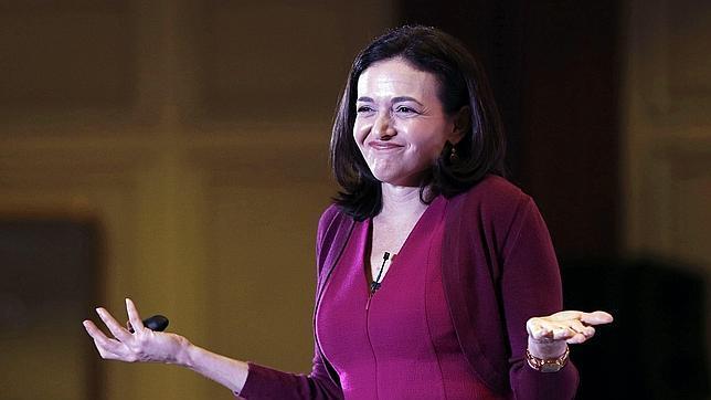Sherly Sandberg: «La explicación del experimento de Facebook fue pobre»