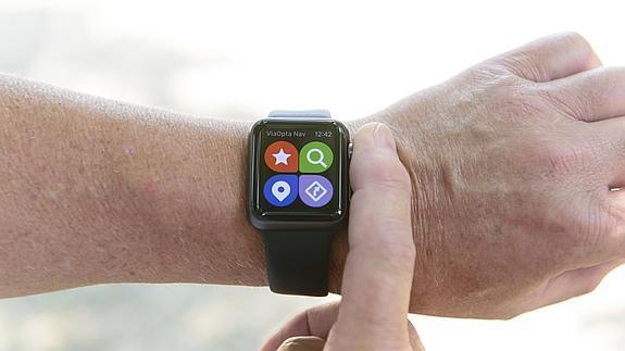 La primera aplicación de «smartwatch» para personas con problemas de visión