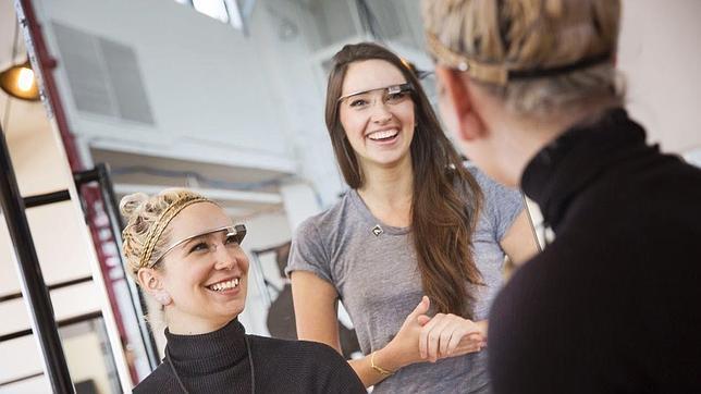 Si usas Google Glass, no conduzcas