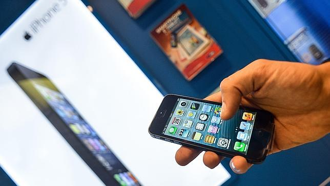 Samsung demanda a Apple por infringir sus patentes con el iPhone 5