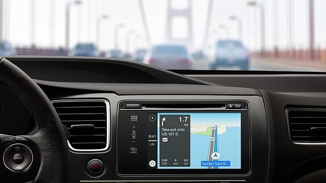 Apple lanza CarPlay, un sistema que integra iOS y Siri en el coche