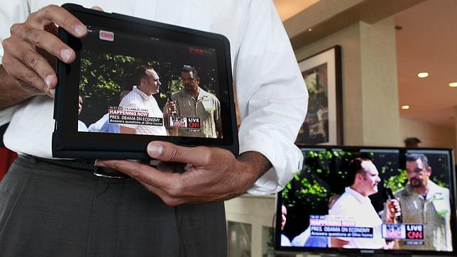 Ver la televisión cada vez se combina más con el uso de otros dispositivos