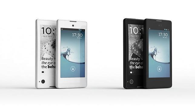 YotaPhone, el móvil con dos pantallas, llega a España