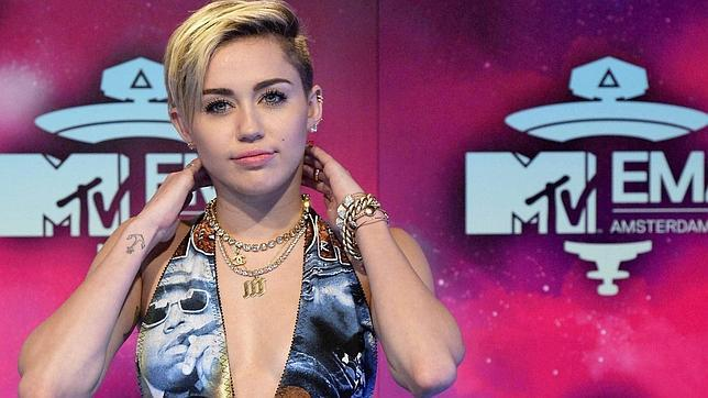 Miley Cyrus, iPhone 5 y «Breaking Bad», lo más buscado en Yahoo! en 2013