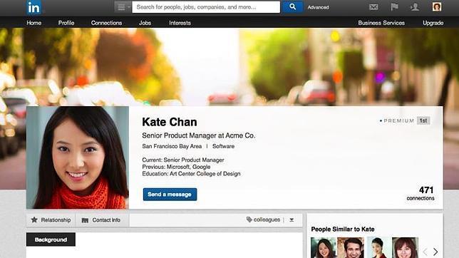 LinkedIn también «copia» a Facebook con su nuevo diseño de perfiles