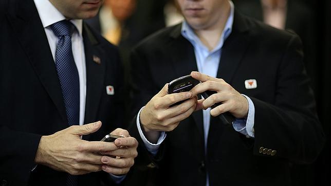 Los smartphones alargan la jornada laboral al menos dos horas