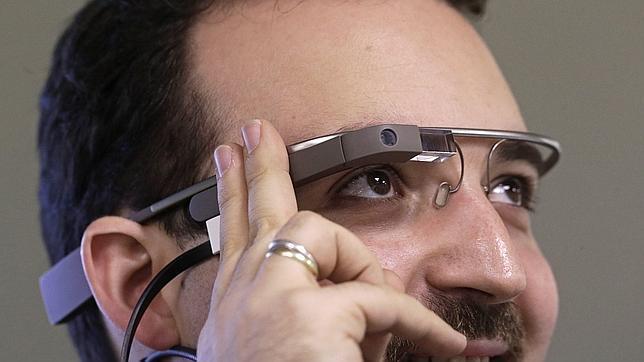 Astro Teller, de Google X: «Glass es la peor cámara espía del mundo»
