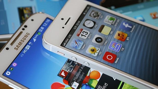 Apple y Samsung entierran el hacha de guerra fuera de EE.UU.