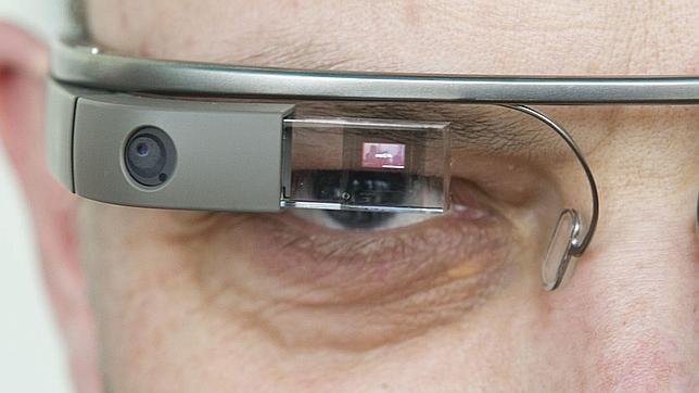Las Google Glass tendrán mando a distancia