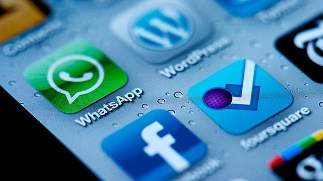 Grupos de defensa de privacidad, en contra de la compra de WhatsApp por Facebook