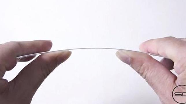 Muestran en un vídeo la flexibilidad de la pantalla del iPhone 6