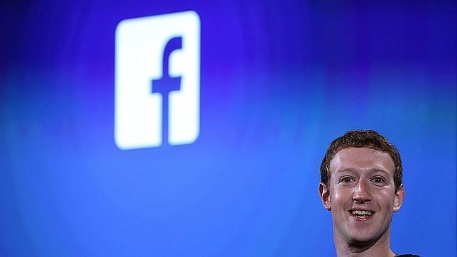 Facebook cobra por enviar mensajes privados a famosos en Reino Unido