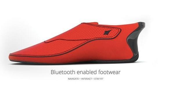 Llegan las zapatillas inteligentes que te guían por el camino a seguir