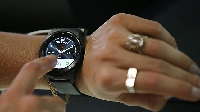 ¿Temen los relojeros suizos a los nuevos «smartwatches»?