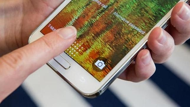 Cuestionada la seguridad de las huellas dactilares en los «smartphones»