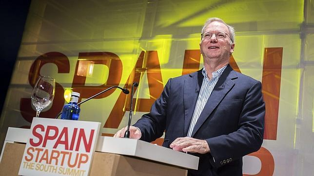 Schmidt: «Si Google hubiese sido fundada en Reino Unido, hubiera sido ilegal