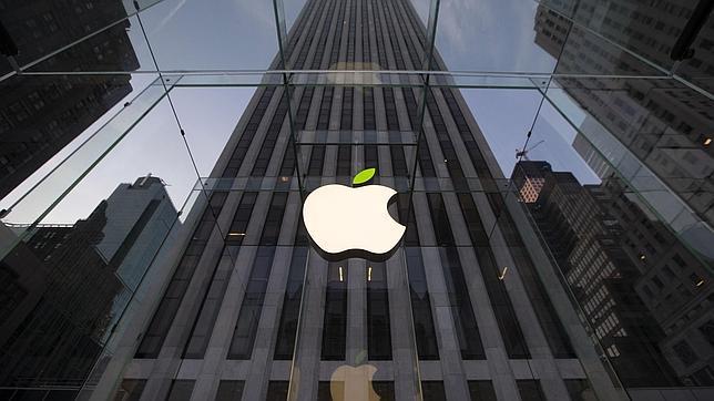 Una juez rechaza el trato de 324 millones de dólares entre empleados, Apple y Google
