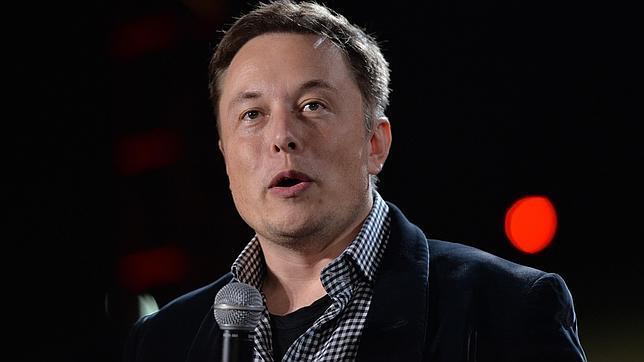 Elon Musk confirma que está trabajando en una flota de micro-satélites