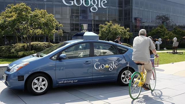 El coche sin conductor de Google tendrá que esperar