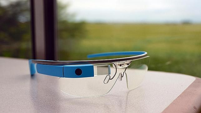 El «padre de las Google Glass» ficha por Amazon
