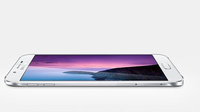 Samsung desvela el nuevo Galaxy A8, el más delgado de sus «smartphones»