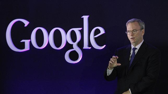 Eric Schmidt apunta que Facebook Home da una «respaldo tremendo» a Google Play