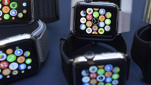 Line se adelanta a WhatsApp y apuesta por Apple Watch