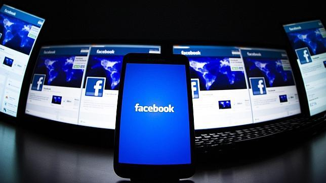 Facebook permitirá a los anunciantes rastrear a los usuarios desde cualquier dispositivo