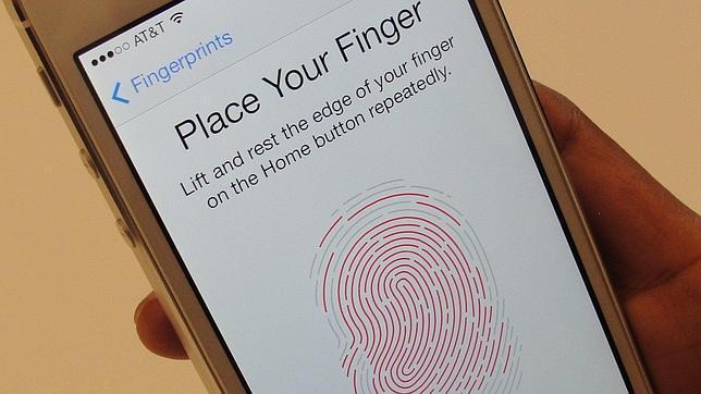 El sensor dactilar del iPhone 5S no funciona con dedos «muertos»