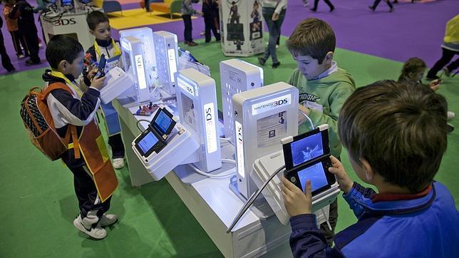 Nintendo avanza hacia los juegos para «smartphones»