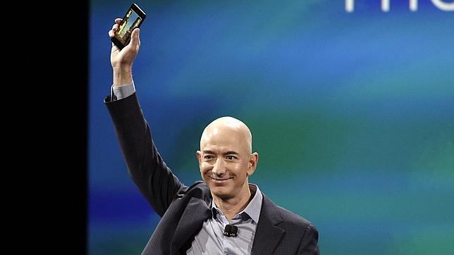 Amazon presenta Fire Phone, un móvil que ofrece imágenes con perspectiva 3D