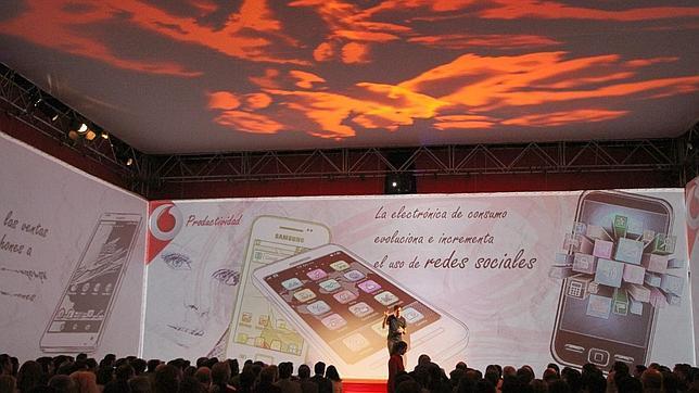 Vodafone lanza una tarifa prepago con 60 minutos de llamadas a 35 países y 1GB de datos por 15 euros al mes