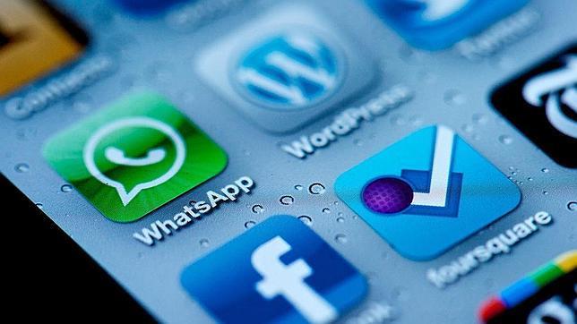 ¿Es un error descargarse «apps» en el móvil de empresa?