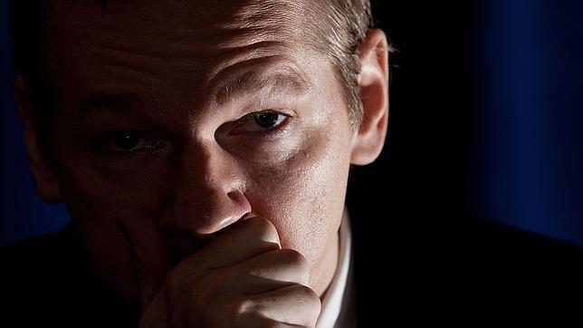 Schmidt a Assange: «No me importaría una fuga de documentos de Google»