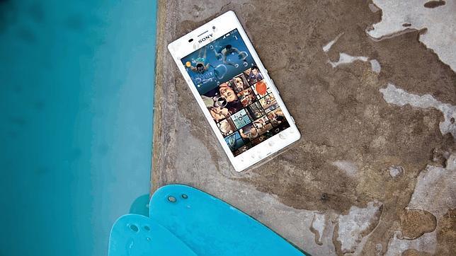 Sony presenta el Xperia M2 Aqua, un móvil de gama media resistente al agua