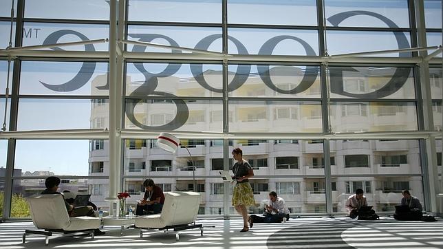 Bruselas lanza un ultimátum a Google ante su posición en el mercado
