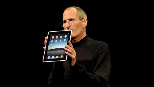 Apple borra a Steve Jobs: contrata a un experto en Flash