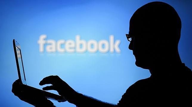 Los usuarios de Facebook alardean de tener pareja