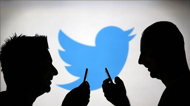 Un «hacker» islámico filtra los datos de más de 15.000 cuentas de Twitter