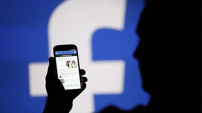 Facebook prueba el pago móvil