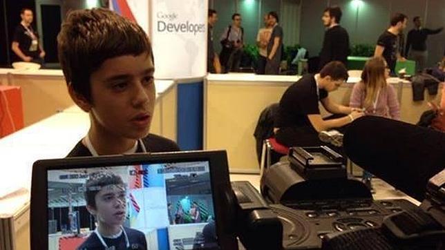 Google ficha a Nikos Adam, un niño de 12 años para su equipo de programadores