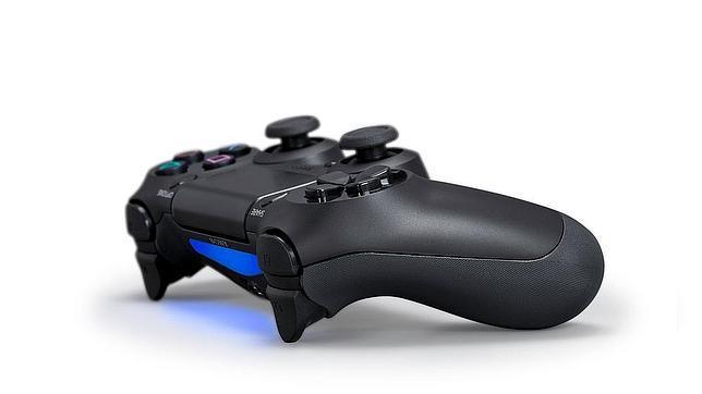 «Dual Shock 4», el remodelado controlador del universo PlayStation 4