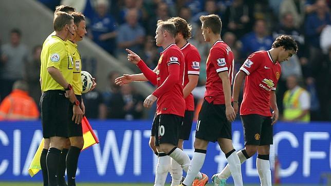 El Manchester United se deja remontar un 1-3 ante el Leicester
