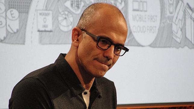 El consejero delegado de Microsoft pide perdón a las mujeres