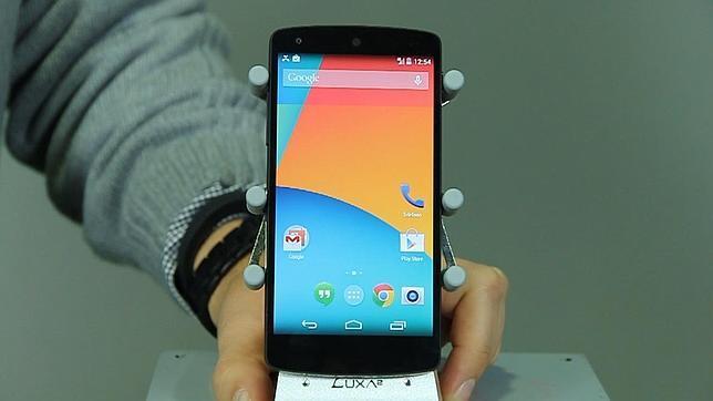 Probamos el Nexus 5, un «fantástico teléfono»